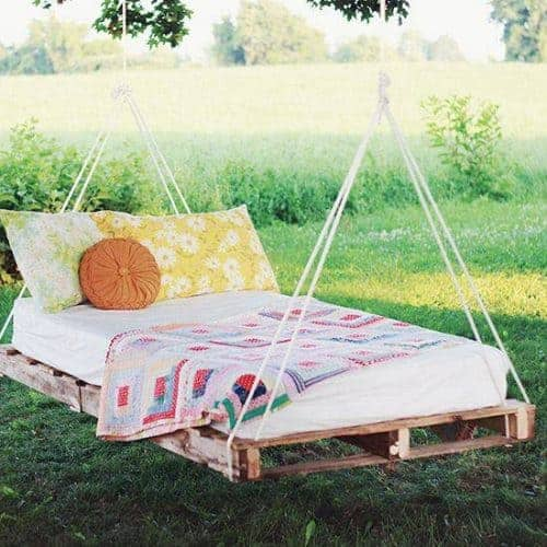 How to Build a Hanging Swing Bed from Pallets