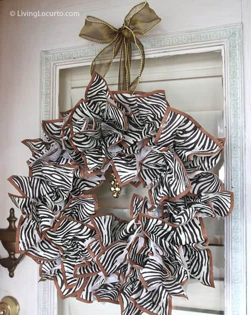 DIY Napkin Holiday Christmas Wreath Craft | Fall Thanksgiving Wreath by LivingLocurto.com