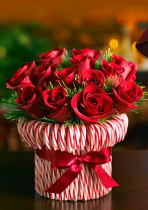 Candy Cane Flower Vase - Christmas Tree Napkins - The Best Christmas Table Setting Decorations | Holiday Home Decor