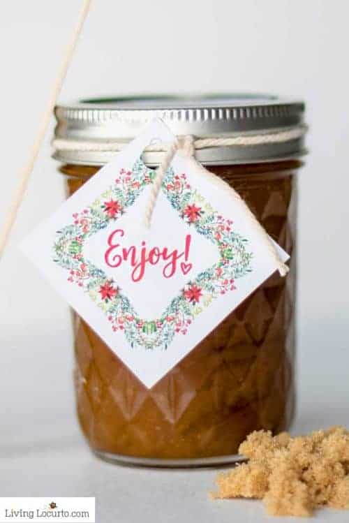 Easy Brown Sugar Recipe in a Jar with pretty printable gift tag - 50 Mason Jar crafts and recipes