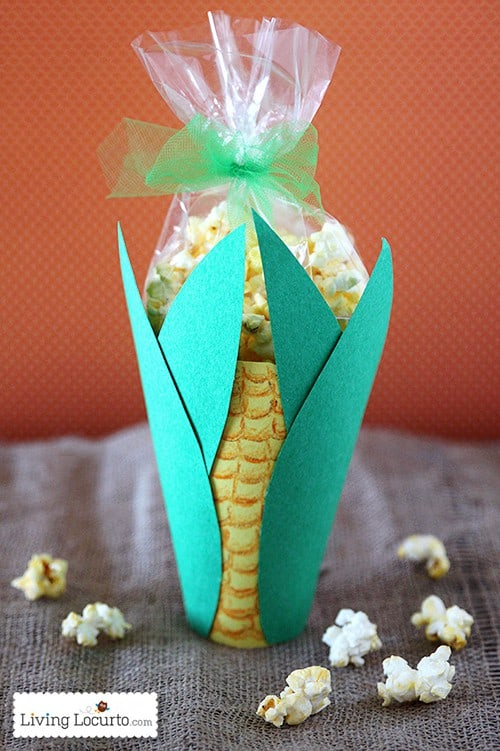 Popcorn Snack Thanksgiving Corn Treat. A Cute Kids Craft or Party Favor. LivingLocurto.com
