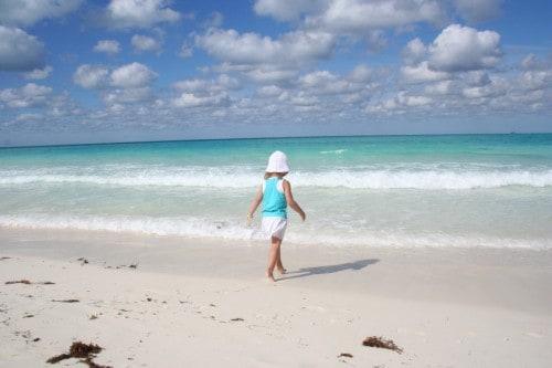uba with a baby, cplaya pilar, beach, cayo guillermo, cuba