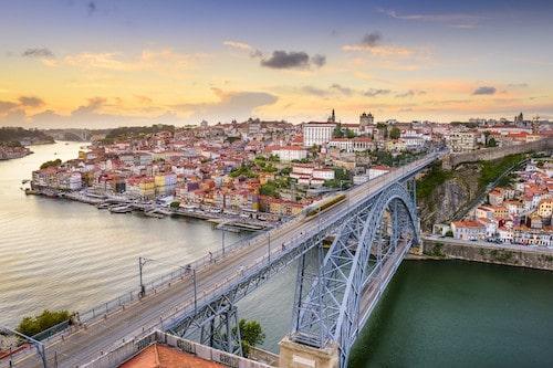 Ponte Dom Luis I Bridgein Porto, Portugal   Winetraveler.com