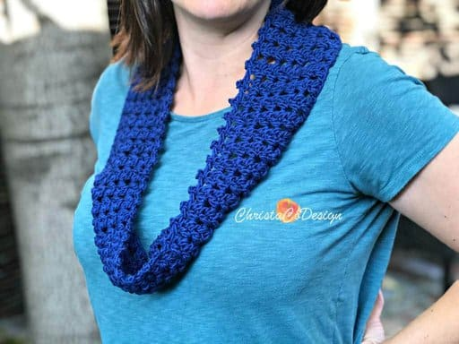 picture of blue one skein crochet cowl