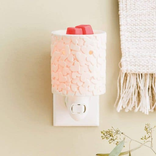 Scentsy Fudraise for World Vision UK by selling Share Your Heart Plug In Warmer