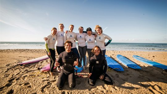 group surf lesson beginner algarve