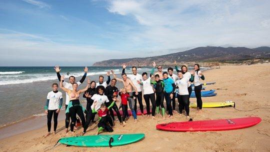surf lesson group beginner beach