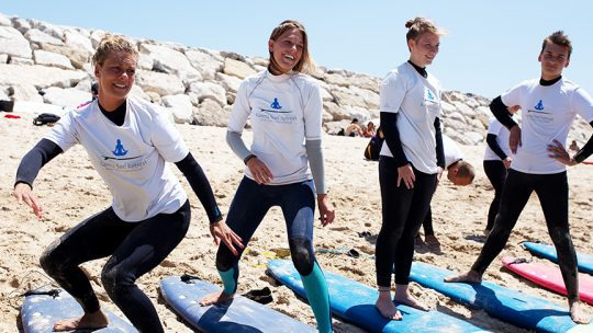 lisbon beginner surf class warmup