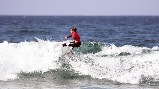 kids surf lesson intermediate lisbon