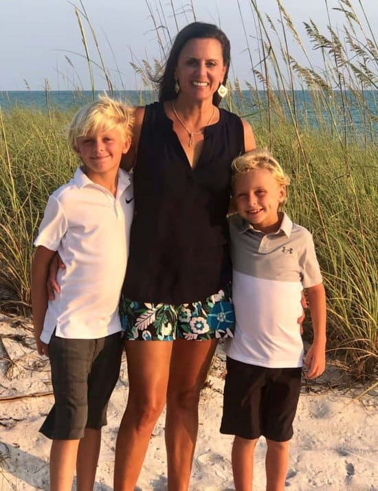 Pigtails & Crewcuts franchisee Jennifer Tribble with her children