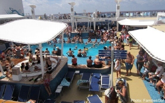 The crowded adult pool on the ncl breakaway