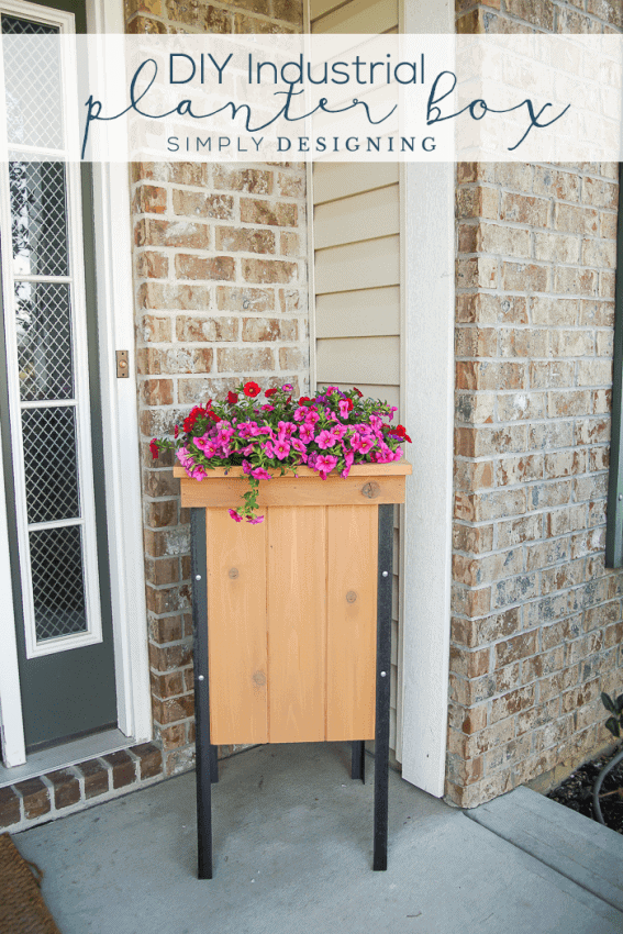 How to Make Industrial Planter Boxes - these simple planter boxes are full of style and function
