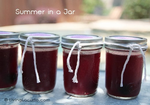 Drinks in a jar. Yummy Blackberry Margarita recipe and FREE Printable tags by Amy at LivingLocurto.com