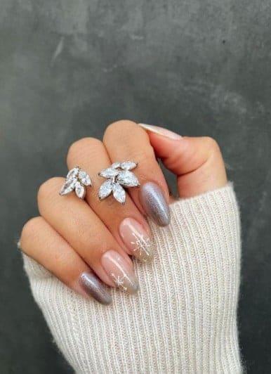 christmas nails - Natural tone christmas nails