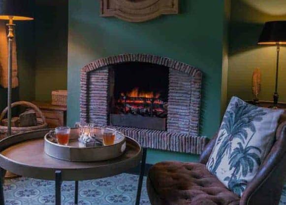 Se rencontrer dans un hôtel de charme normand, c'est augmenter sensiblement l'excitation du moment candauliste