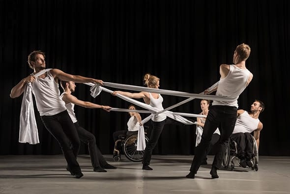 Candoco dancers in Alexander Whitley's Beheld (photo: Hugo Glendinning)