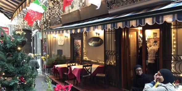 Pizzeria Brandi in Neapel