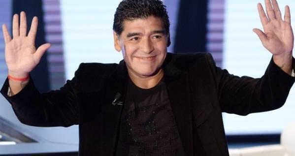 Maradona denunciato per truffa dalla ex moglie