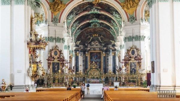 Wnętrze katedry w St Gallen - Szwajcaria