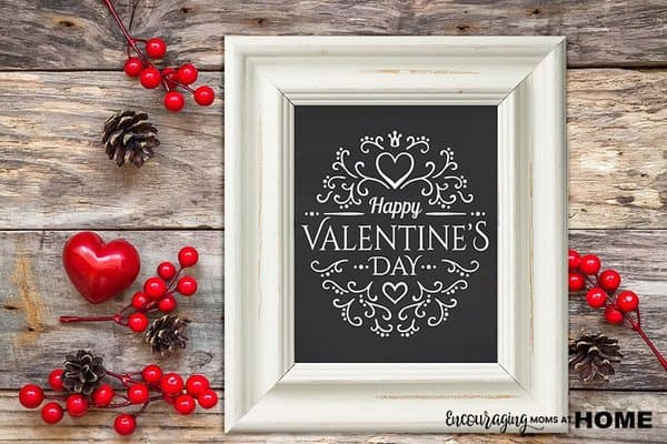 Do you have a visual reminder of your love for your family and for God?  Valentine's Day is a perfect time to have such a reminder around your house. Print out our FREE Valentine's Day decoration.