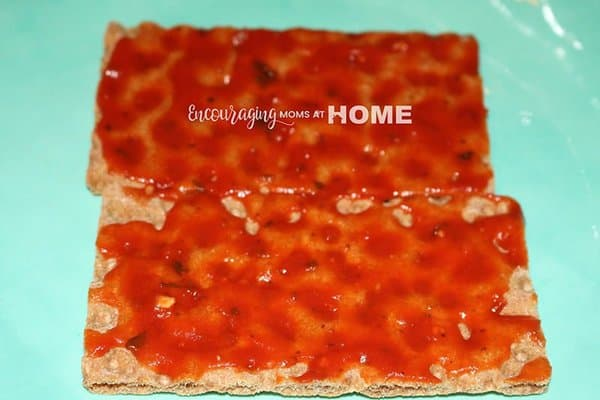 Wasa Crackers with Pizza Sauce - Trim Healthy Mama Pizza Recipe