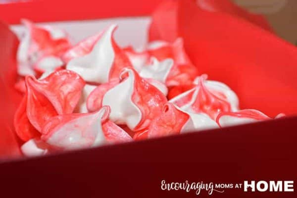 Christmas Treats Kids can Make for Neighbors - Image