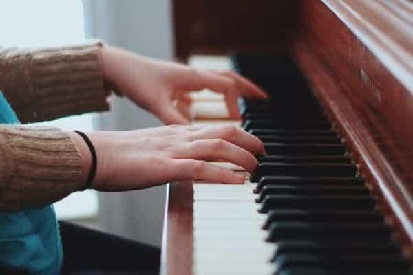 day-piano-organ-guitara-vn-long-bien-trung-tam