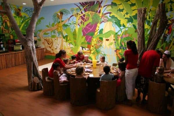 Feeding toddlers at Club Med makes traveling with a baby feel easy