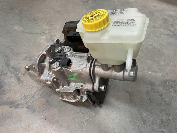 alternate brake fluid reservoir on ibooster 2