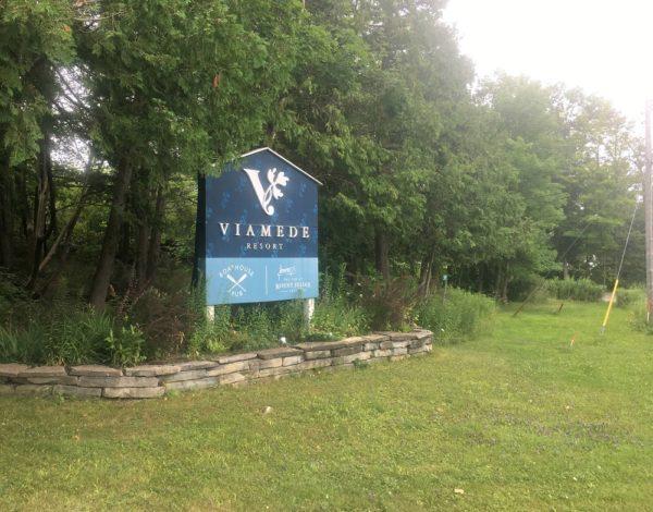Sign for Viamede Resort