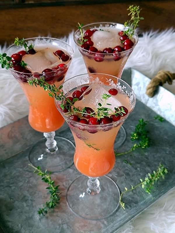 refreshing elderflower grapefruit mocktail