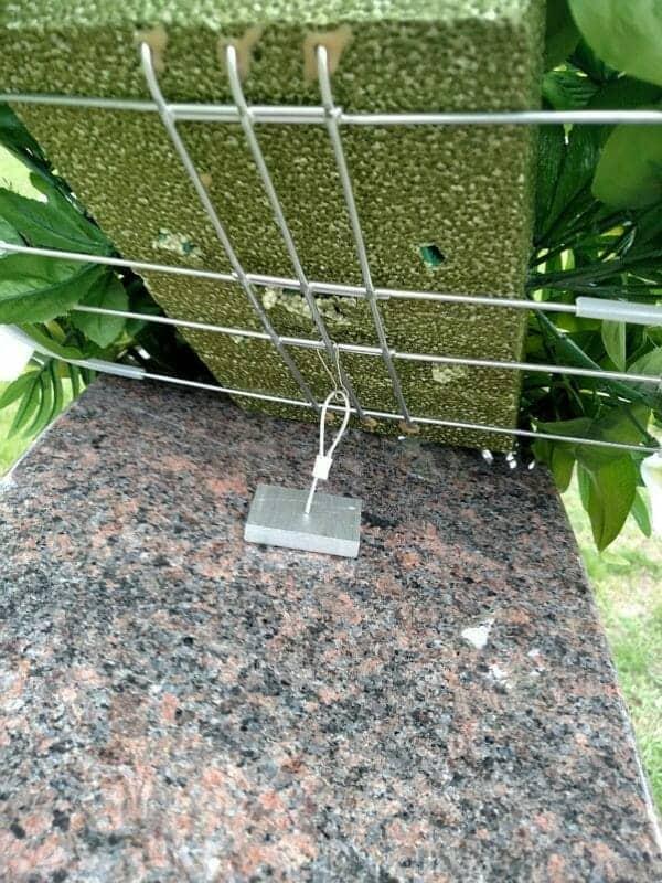cemetery flower tether
