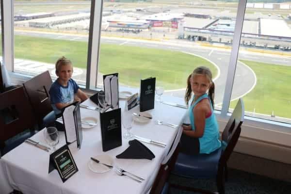 charlotte motor speedway tours, charlotte motor speedway tour, charlotte motor speedway with kids, the speedway club, lunch at the speedway club