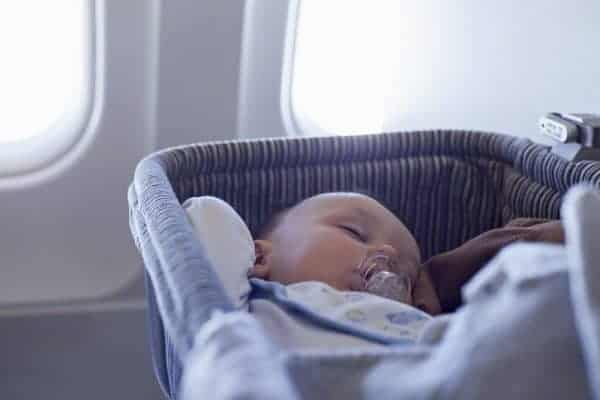 airplane bassinet, airline bassinet, which airlines offer bassinets for infants