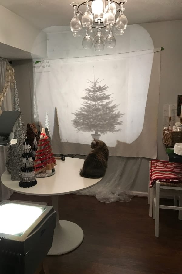 DIY hack for IKEA MARGARETA Christmas Tree fabric from VINTER holiday collection. It makes great wall art during the holiday season.