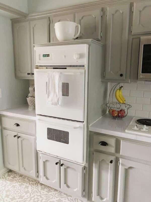 white built-in kitchen oven
