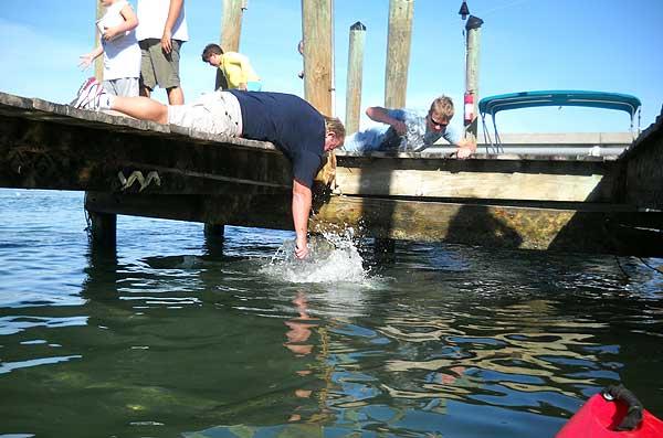 Robbies tarpon splash Robbie's Marina: Feed the tarpon; it's best cheap fun you can find in the Keys