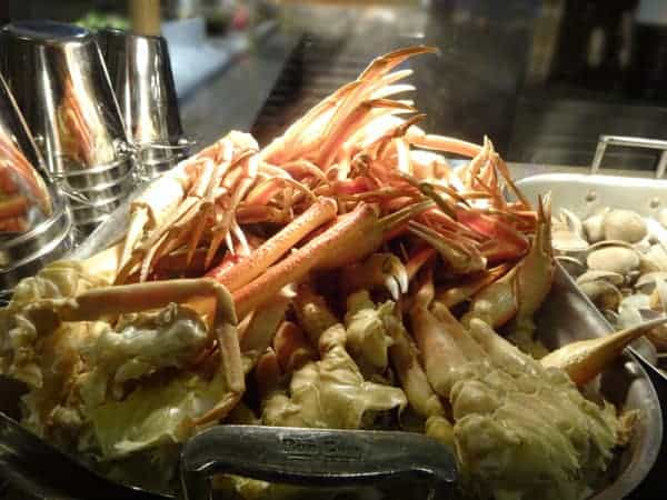 crab legs found on a buffet, using Table Service Credit