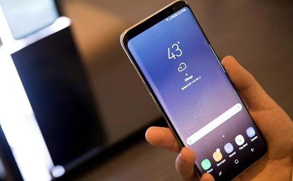 Galaxy S8 keeps rebooting, keyboard app is missing, won't charge