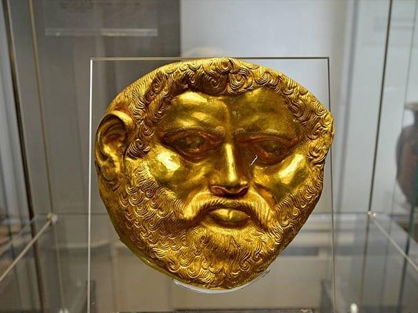 màscara funerària tràcia d'or