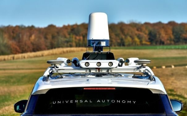 Image of Oxbotica car with Navtech Radar sensors