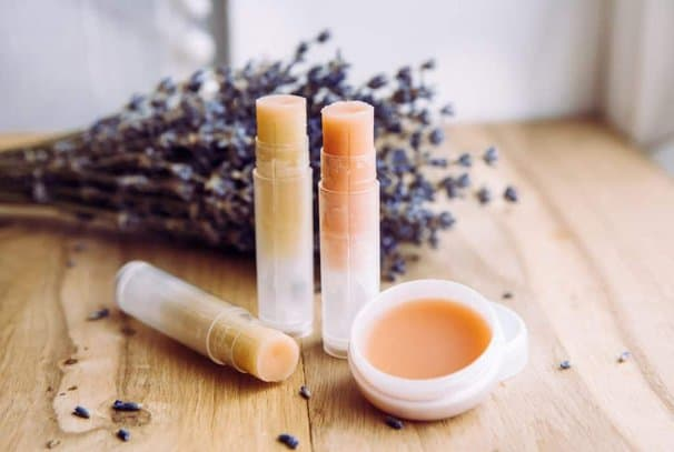 DIY lip balm without beeswax