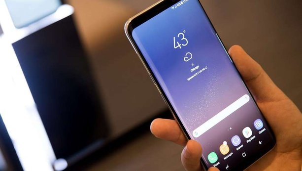 Galaxy S8 won't download MMS, stuck in Samsung logo screen after