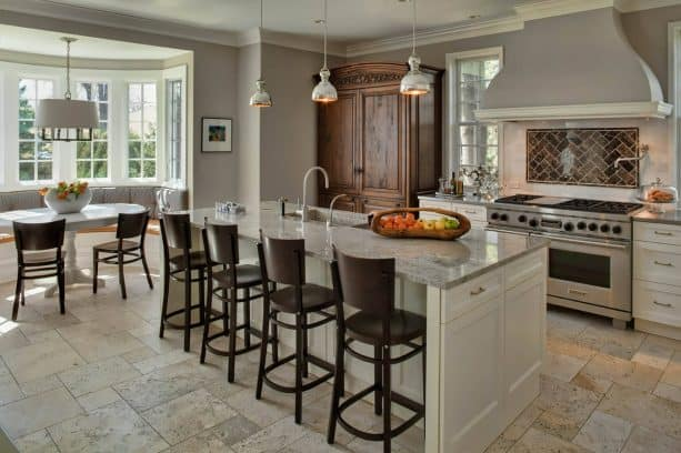 traditional open style kitchen with Benjamin Moore collingwood 859 warm gray wall paint color