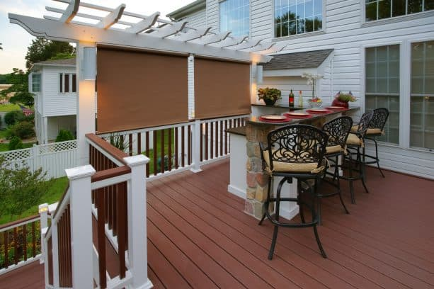 pergola and roll-up blinds as a privacy screen on deck railing