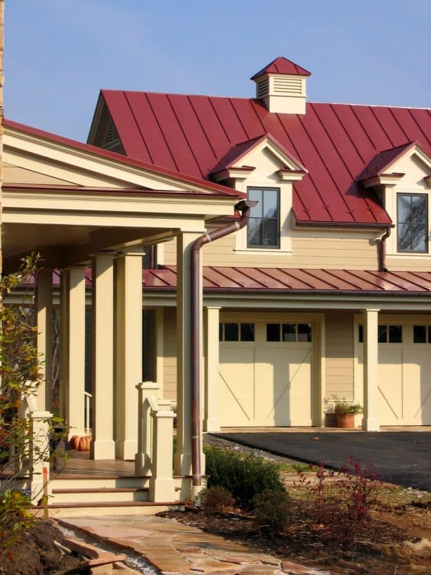 a red metal roof and strathmore manor by benjamin moore siding color combination