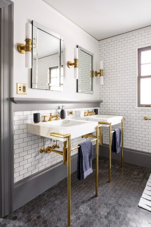 transitional bathroom with white subway tile wall, grey grout, and grey trim