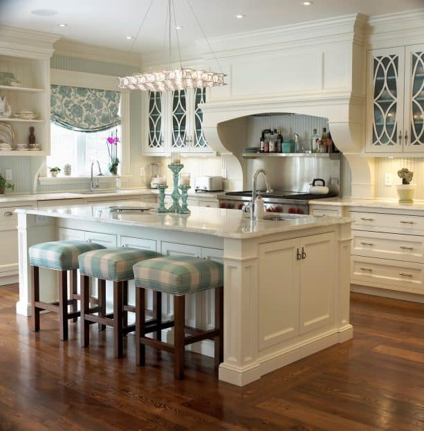 cream traditional kitchen cabinets