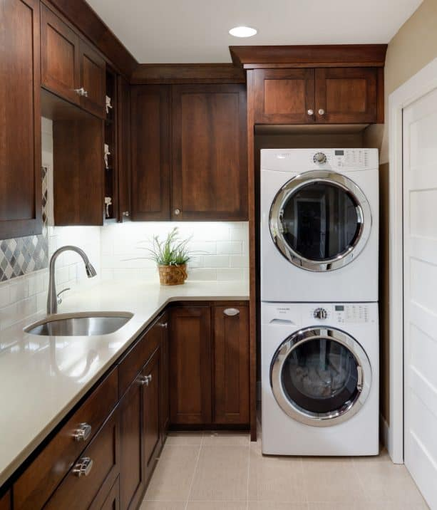 wood-themed small laundry room
