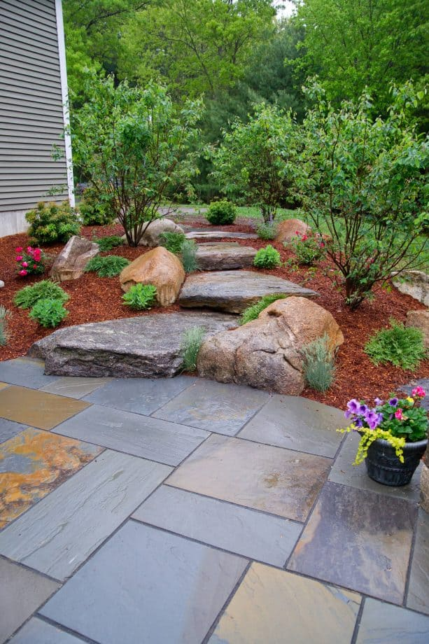 fieldstone and hemlock mulch combination